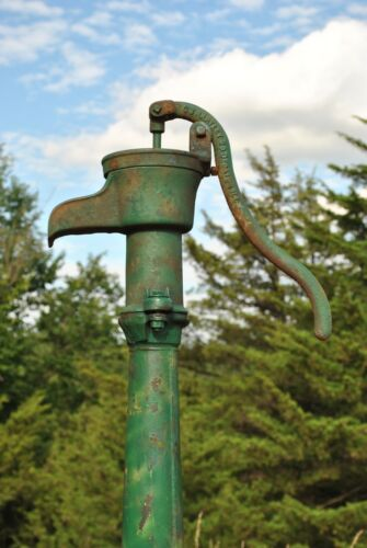 Vintage Green Tall Cast Iron & Steel Antique Yard Art Water Well Pump