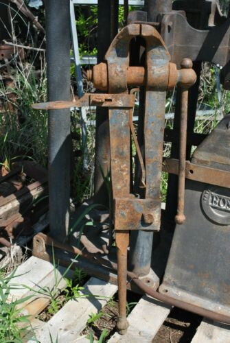 Original Vintage Large 6 Inch Blacksmith Forge Co. Knife Makers Leg Vice