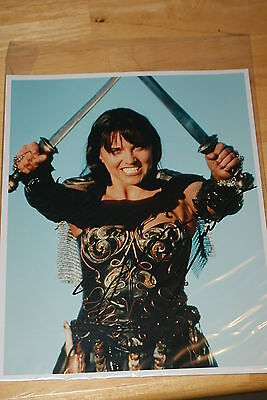 Xena autograph photo #3 Xena w/coa Lucy Lawless