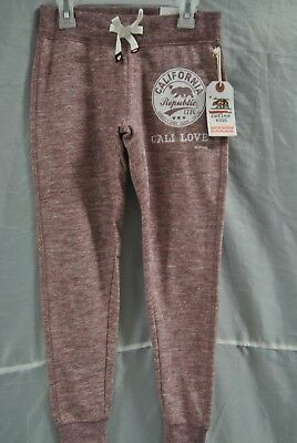 """Reflex Kids of California size 10 Maroon in color with the word; """"Love"""" CA 53201"""