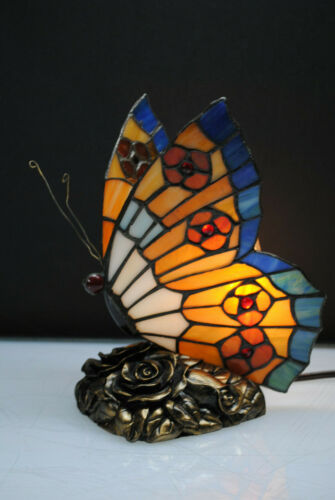 BEAUTIFUL STAINED GLASS BUTTERFLY NITE LIGHT