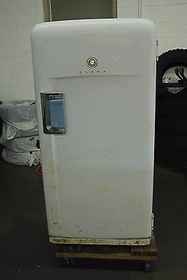 1950s International Harvester Refrigerator 1952 Works! Vintage Retro IH