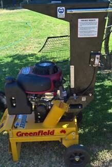 Greenfield Piecemaker chipper 10.5hp intek engine
