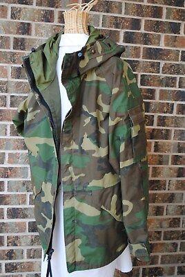 US Army Cold Weather Parka MEDIUM Woodland Camo ECWCS Jacket Goretex BDU USGI