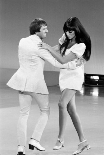 SONNY AND CHER - MUSIC PHOTO #E-69