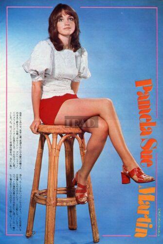 PAMELA SUE MARTIN Leggy Poseidon Adventure/ OLIVIA HUSSEY 1974 JPN CLIPPING se/z