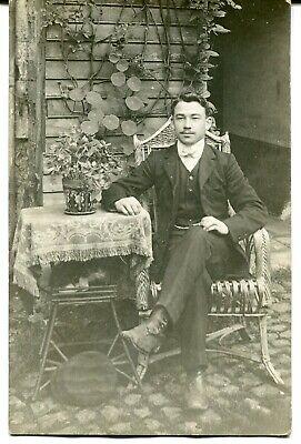 CPA - Carte Postale - Fantaisie - Portrait d'un Homme assis (M8142)