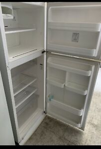 Warranty Westinghouse No Frost Fridge Freezer L390 Good condition