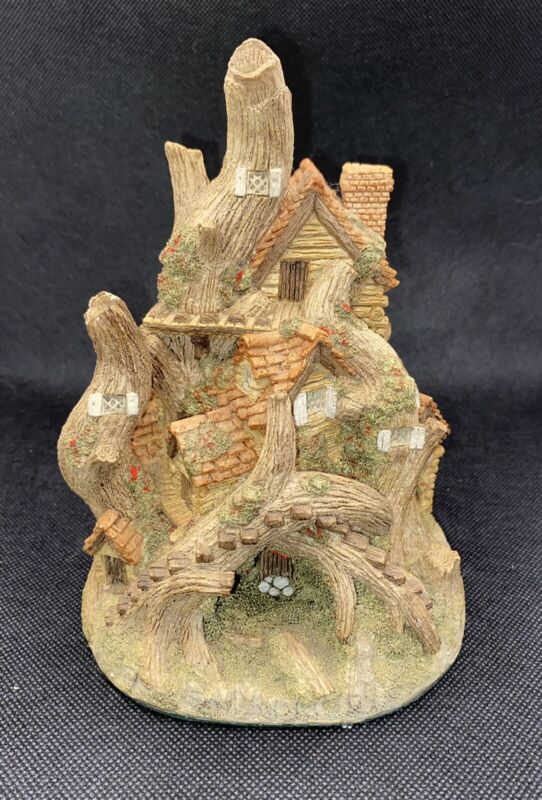 Vintage David Winter Woodcutters Cottage Original Hand Made Statue Figurine
