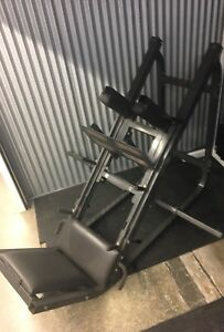 Commercial leg press