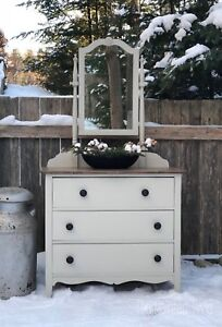 Solid wood chest/dresser