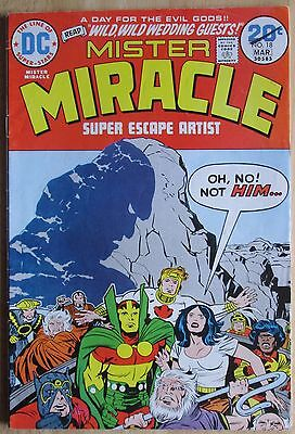 """DC Comics  """"Mister Miracle"""" # 18, Photos Show Good Condition"""