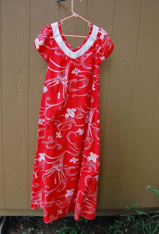 Hilo Hatties Hawaii Dress RN 37145 Vintage Red Flower Print Medium MuuMuu