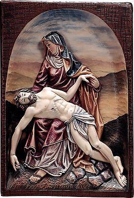 <br />Pietà Rilievo in Legno.Piety Wood Carved ReliefCm. 60x H 45 (23,62