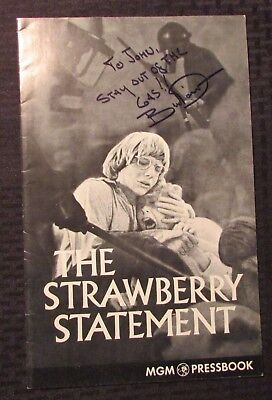 1970 The Strawberry Statement Pressbook SIGNED Bruce Davison FN 6.0 w/ Insert