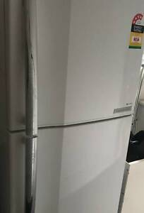 322 litre immaculate condition fridge