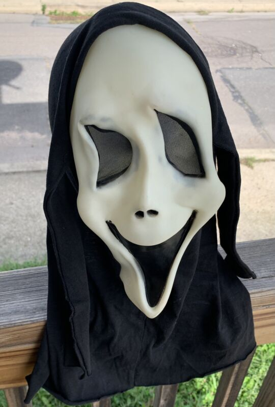 Vintage Ghost Face Scream Smile Mask Glows In The Dark Fun world DIV