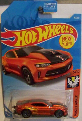 HOT WHEELS MUSCLE MANIA  SERIES '18 COPO CAMARO SS IN RED #5/10 OR #71/250