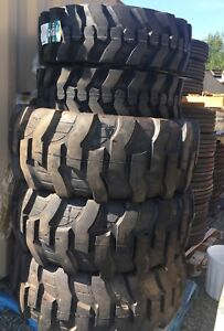 19.5L24 LoadMaxx Rear and front 12.5/80-18 Backhoe Tires