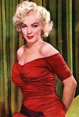Marilyn Monroe - Red Dress, New York Sunday News Magazine 1952 - Modern Postcard