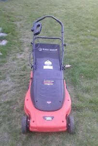 Black and decker electric mulching lawnmower 12amp  works great