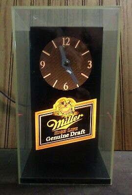 MILLER GENUINE DRAFT BEER CLOCK - LIGHTED