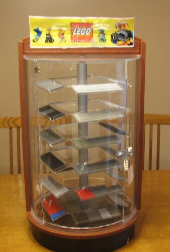 LEGO  MINIFIG MINI FIGURE DISPLAY CASE WITH LOCK   ROTATES  GLASS