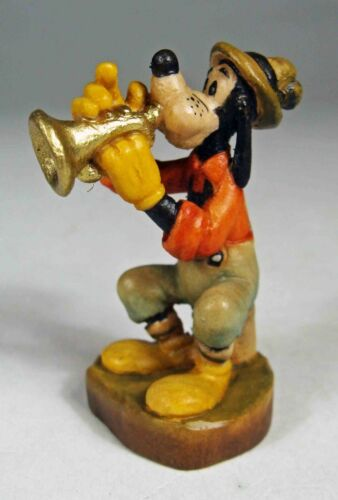 Anri Disney Woodcarvings:  Goofy with Horn, Miniature