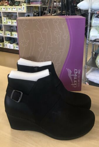 Jaclyn Smith Women/'s Ellis Black Wedge Bootie Shoes 30614 Size 10 Medium