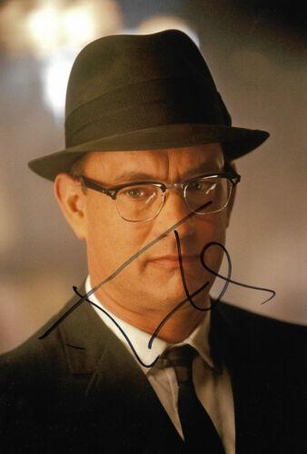 Tom Hanks Autogramm signed 20x30 cm Bild