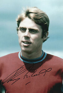 HARRY-REDKNAPP-In-Person-signed-12x8-Photo-WEST-HAM-UNITED-Proof-COA