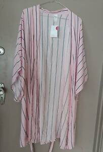 light summer robe-brighter pink then the pic Wollongong Wollongong Area Preview