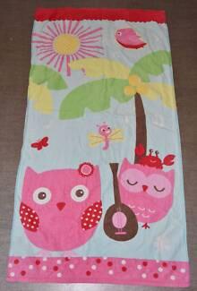 Kid's Towel - Pink Owl Theme - EUC