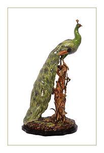 Laton-Ceramica-Figura-Pavo-real-en-rama-Vistazo-a-la-derecha-palaciega