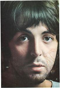 PAUL-McCARTNEY-AUTOGRAPH-SIGNED-ON-WHITE-ALBUM-PHOTO-THE-BEATLES