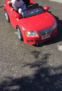 Red BMW suv ride on for sale !