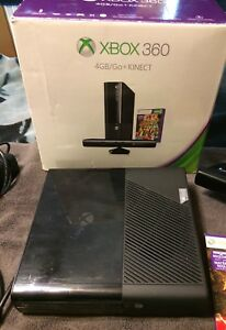 Xbox 360 (4gb/go) with Kinect  $110 OBO  Want it gone today!!