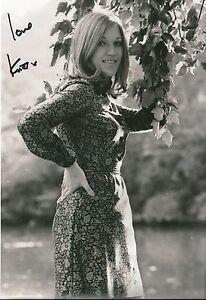 Genuine-Hand-Signed-Autographed-Photo-Photograph-KIKI-DEE-Good-Signature-12-x-8