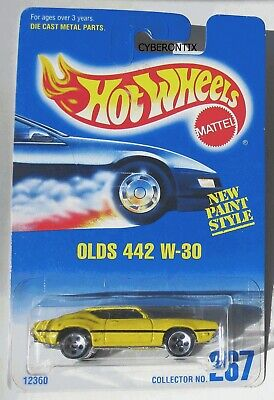 Hot Wheels OLDS 442 W-30 Half-Blue Card #267 1995 MOC 5-dot ho5 MOSC Yellow