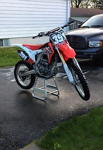 2016 crf 250 LOW HOURS