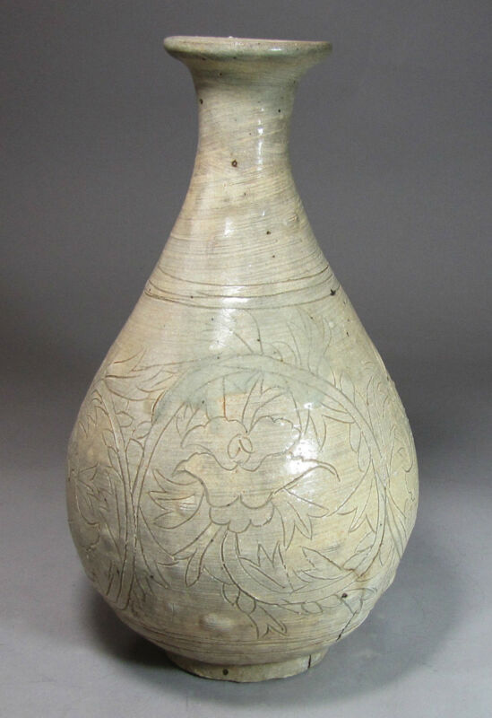A Rare and Fine  Korean Buncheong  Bottle Incised with Peony Blooms-16th C