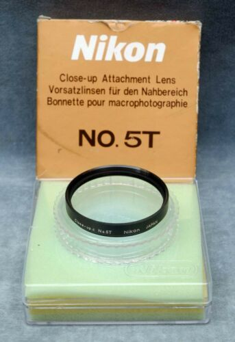 NIKON NO. 5T 62MM CLOSE-UP ATTCHMENT LENS IN CASE & BOX