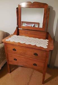 Duchess Dressing Table Solid Timber Perfect Condition Mount Lofty Toowoomba City Preview