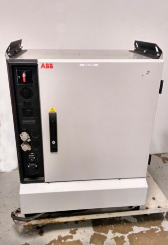 11424 ABB ROBOT CONTROLLER, DSQC 377B 3HNE 01586-1/15 IRC5 M2004
