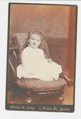1 VINTAGE CABINET CARD - YOUNG CURLY HAIRED GIRL IN CHAIR - BOSTON