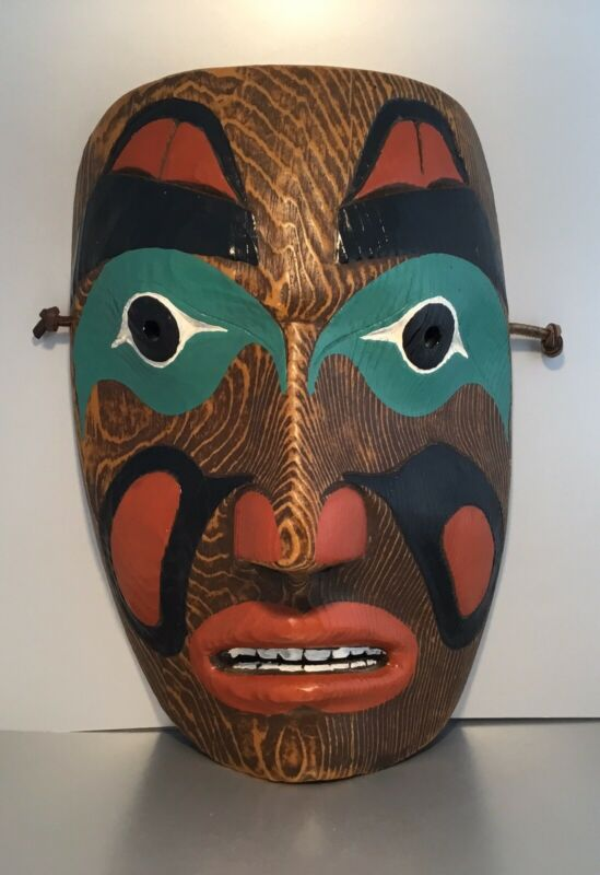 CONTEMPRORARY CANADIAN NATIVE INDIAN CARVED PAINTED MASK NWT