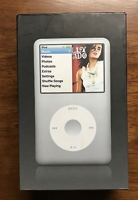 Apple iPod Classic Silver (160GB) + Accessories