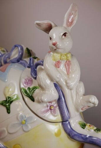 Vintage Easter Egg Teapot Decoration Bunny Bunnies Ceramic Pottery Figural CUTE!