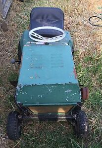 Greenfield Tractor 8 ride on lawnmower Cessnock Cessnock Area Preview