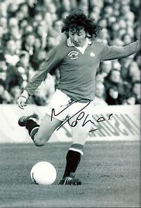 Mickey-Thomas-Signed-Manchester-United-Photo-12x8-COA-EPS